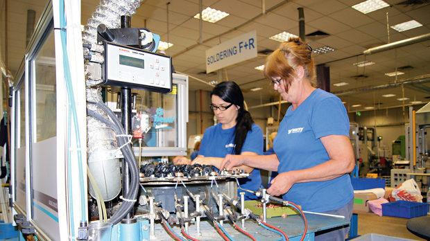 Пловдивската фабрика на американската Watts: Добре смазана машина